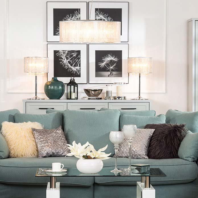 Efektowne lampy sufitowe do salonu w stylu glamour – jak znaleźć te najlepszą?