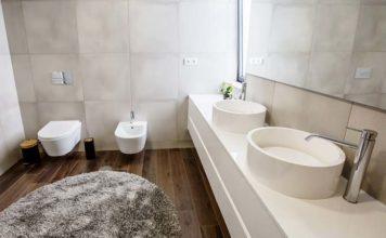 Płytki podłogowe do każdej łazienki