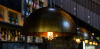 Aranżacja pomieszczeń mieszkalnych lampami loftowymi